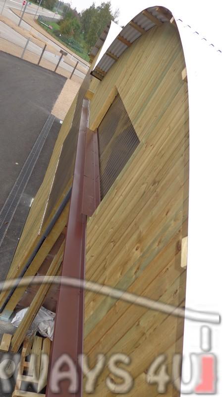 Passages couverts en bois. Construction commerciale en gros bois d??uvre ou d?ing?nierie.