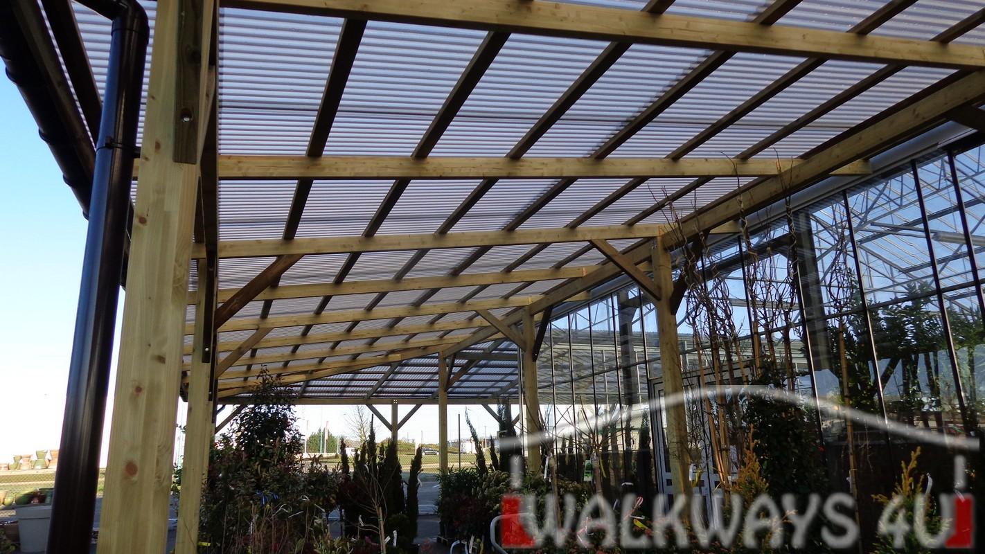 Hale drewniane zadaszenia konstrukcje drewno klejone