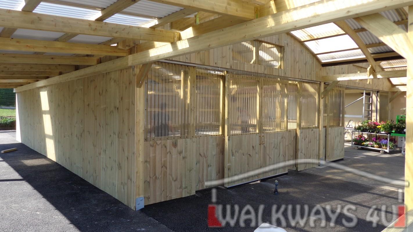 konstrukcje drewniane zadaszenia hale drewniane drewno klejone