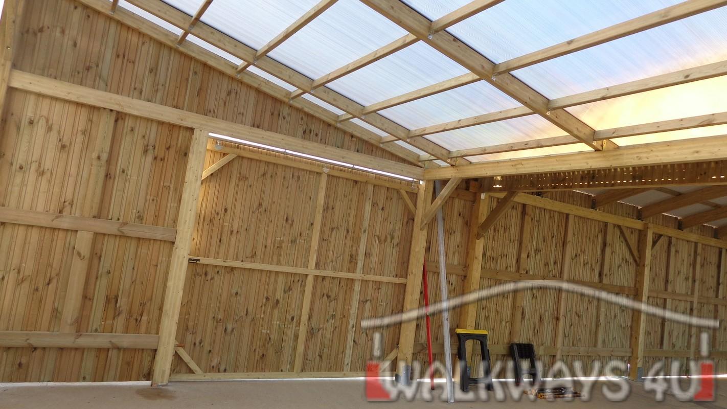 Espace commercial suppl?mentaire construction bois lamell?-coll