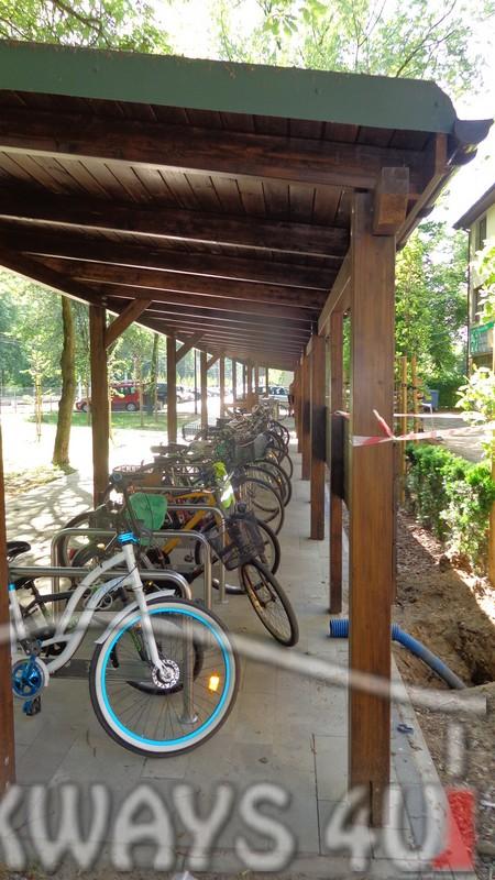 Zadaszenie drewniane wiata konstrukcja z drewna klejonego hale drewniane