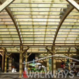 Toitures bois lamell? coll?, halles d'expositions, passages couverts et autres constructions charpentiers en bois