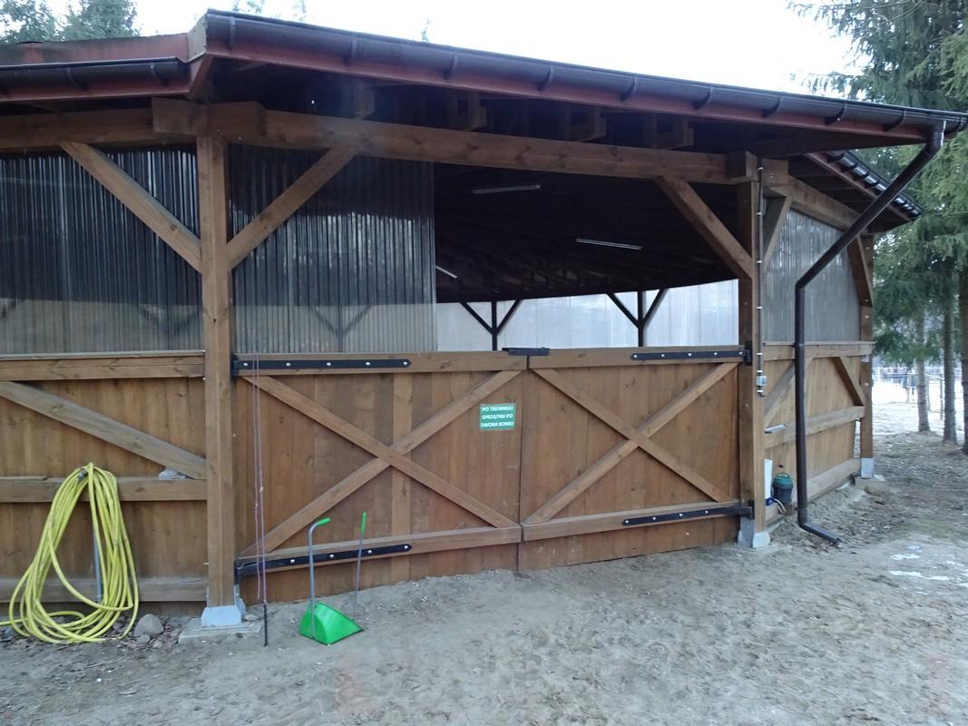 Photo 21. Rond de longe est le travail des chevaux ? la longe construction en bois