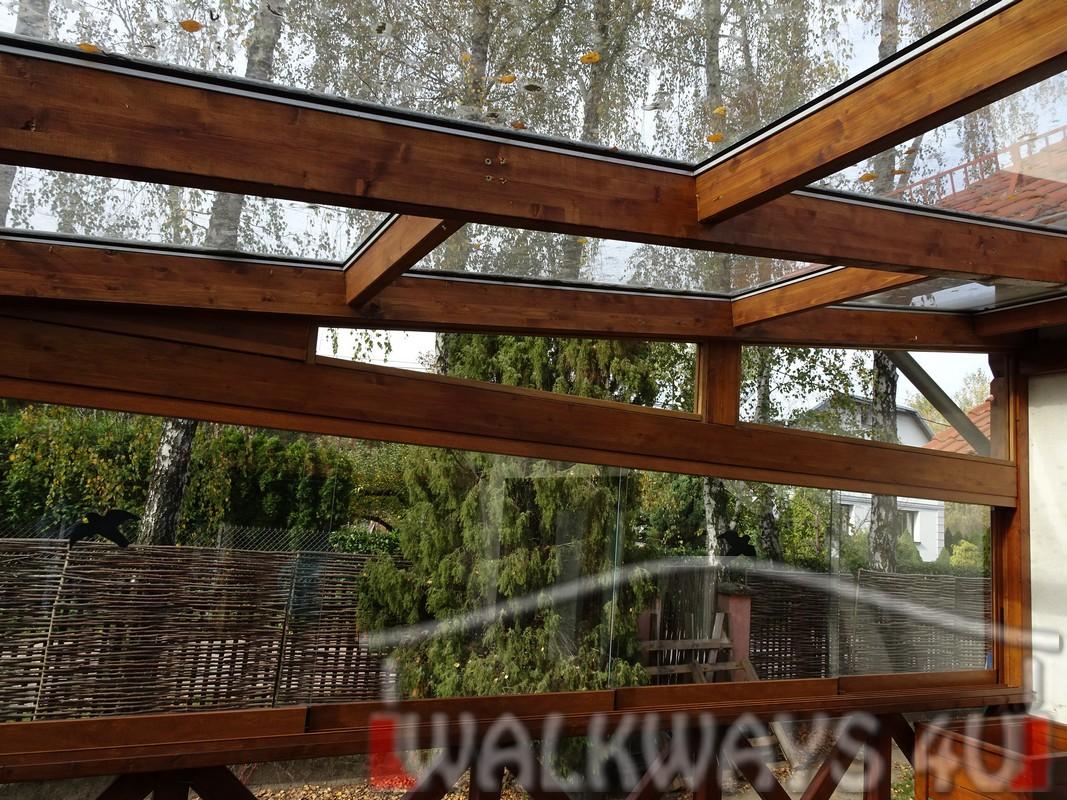 Photo 14. Tarasy pokryte szk?em, zabudowa szklana, konstrukcje drewniane, szk?o hartowane klejone