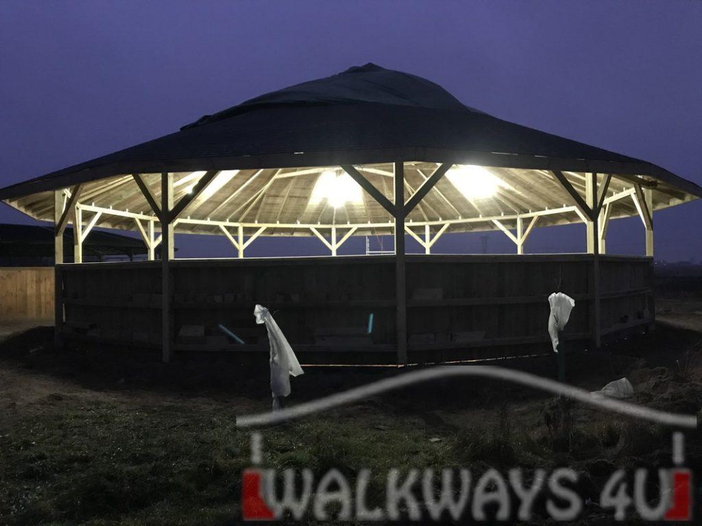 Photo 15. Construction des rondes de longe couverts, marcheurs couvert au sein de vos installations ?questres