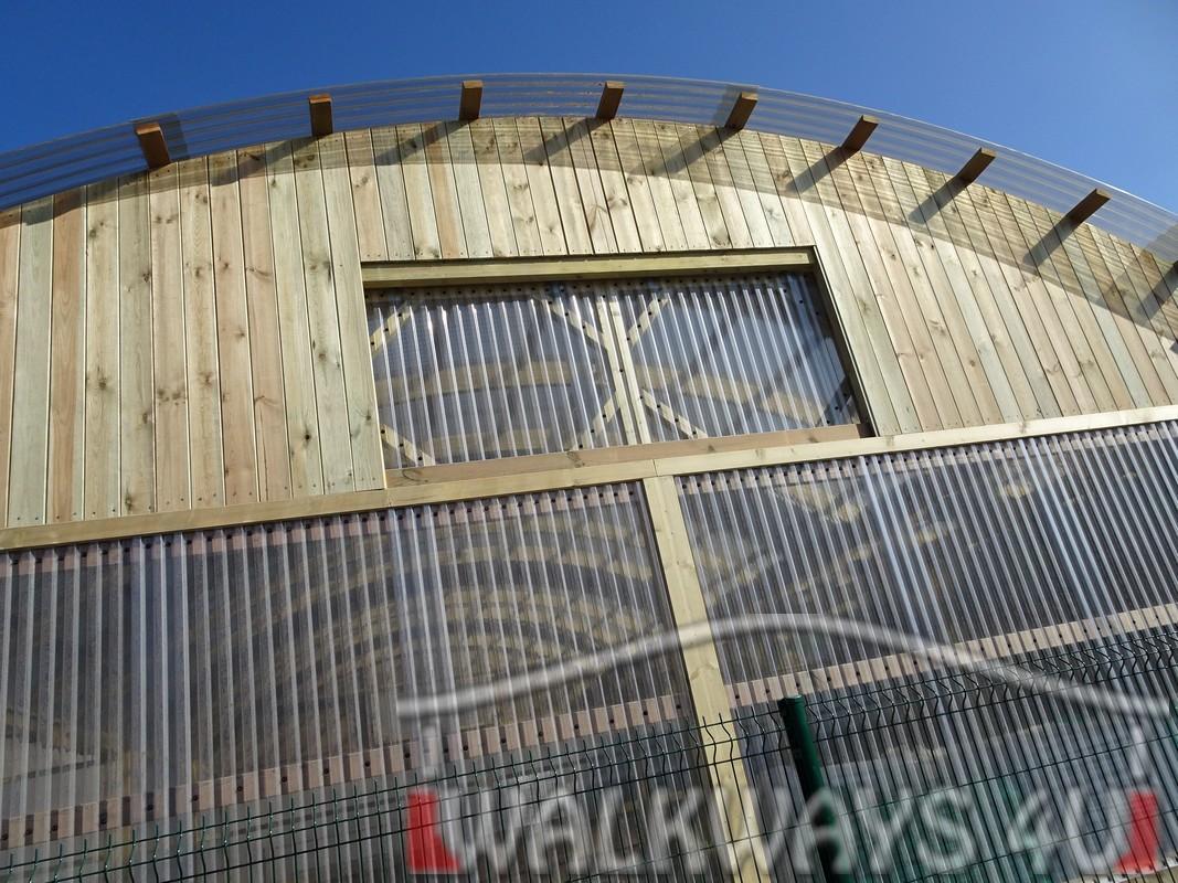 2 Wielkogabarytowe konstrukcje z drewna klejonego, zadaszone hale i wiaty drewniane, dachy z poliwęglanu PCV Onyx