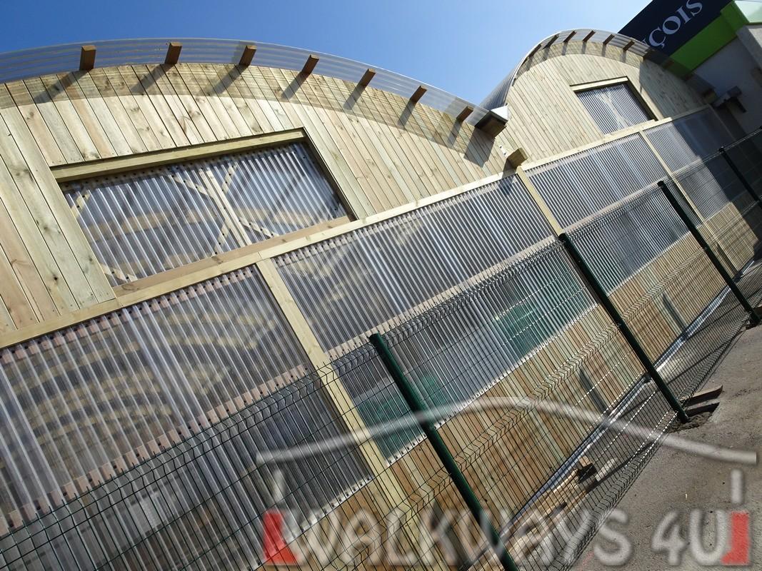 1. Wielkogabarytowe konstrukcje z drewna klejonego, zadaszone hale i wiaty drewniane, dachy z poliwęglanu PCV Onyx