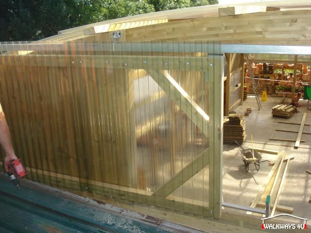 Image No 20 .  Passages couverts, espaces commercial couvert, constructions en bois lamelle - colle, toitures, fermetures en bois