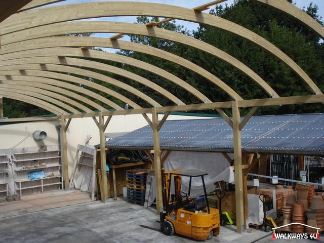 Image No 18.  Passages couverts, espaces commercial couvert, constructions en bois lamelle - colle, toitures, fermetures en bois