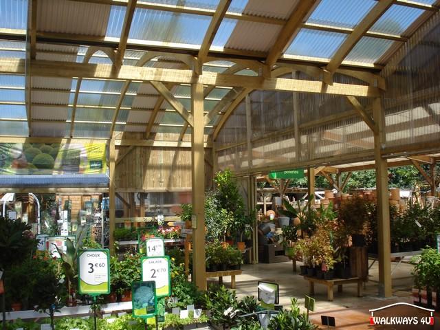 Image No 04 .  Passages couverts, espaces commercial couvert, constructions en bois lamelle - colle, toitures, fermetures en bois