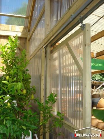 Image No  15.  Passages couverts, espaces commercial couvert, constructions en bois lamelle - colle, toitures, fermetures en bois