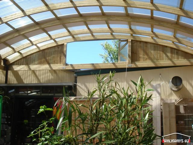 Image No  14.  Passages couverts, espaces commercial couvert, constructions en bois lamelle - colle, toitures, fermetures en bois