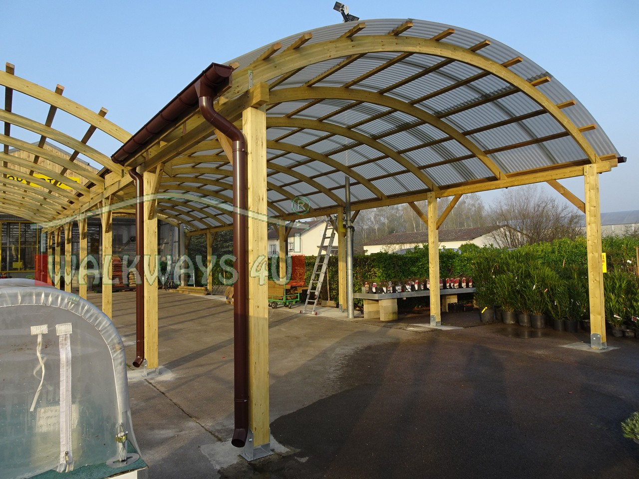 Usługa nr   . Zadaszone hale drewniane, konstrukcje z drewna, łuki klejone, zadaszenia, realizacje wg indywidualnych projektów